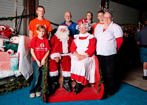 Merry Christmas from Florida Flywheelers - Christmas in the Village