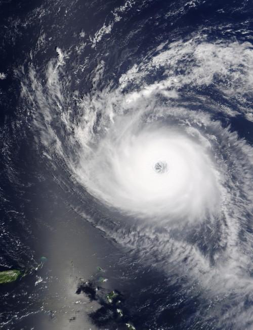 Hurricane_isabel_2003